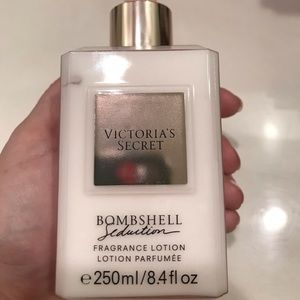 84cf611c0e Victoria s Secret Makeup - Victoria s Secret Bombshell Seduction Lotion